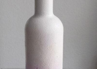 Butelka szklana ozdobiona techniką decoupage